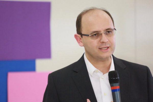 Secretário Estadual da Educação, Rossieli Soares,